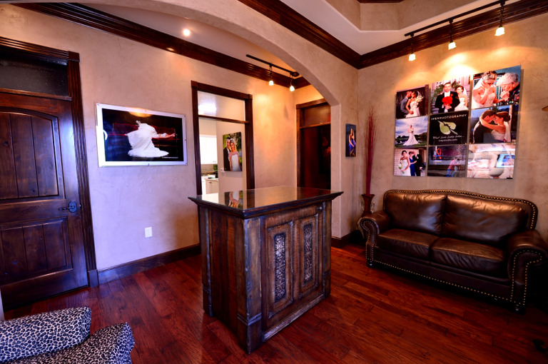 Ivey Photography Studio Midlothian Texas - Cient Entrance and Gallery